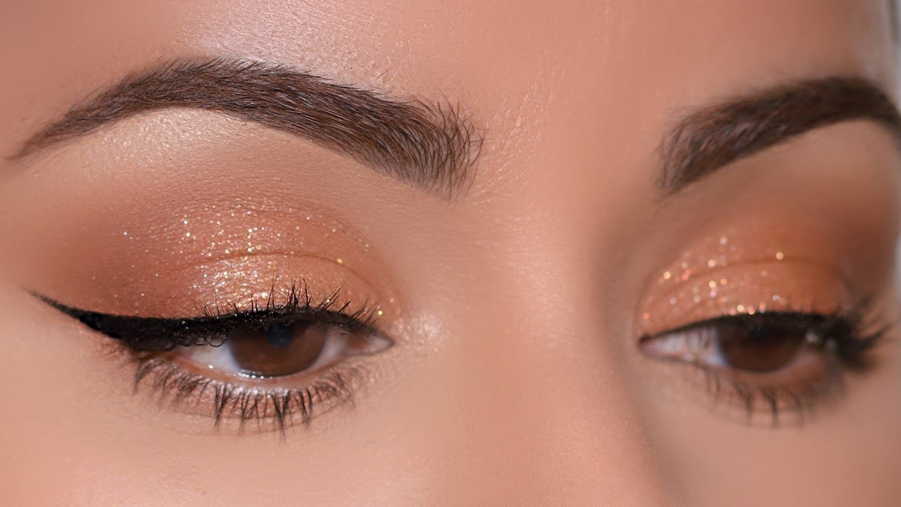 Easiest Sparkly Monotone Cut Crease Ever Created