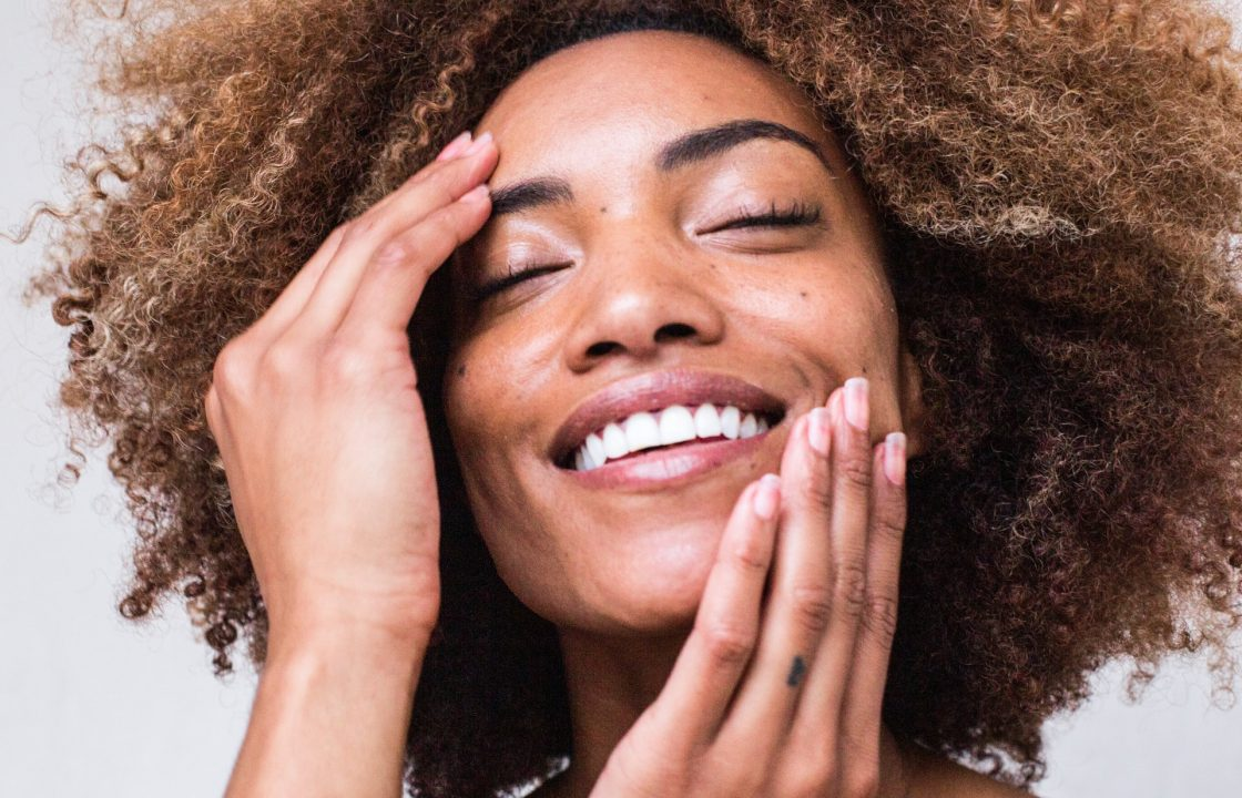 What Does Niacinamide Do For Skin? (Can & Can't)